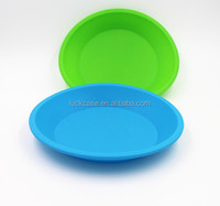 2017 Factory Direct Sale Creative Durable Practical Portable Eco-friendly BPA Free Pet Goods Silicone Pet Tray / Mat / Placemat