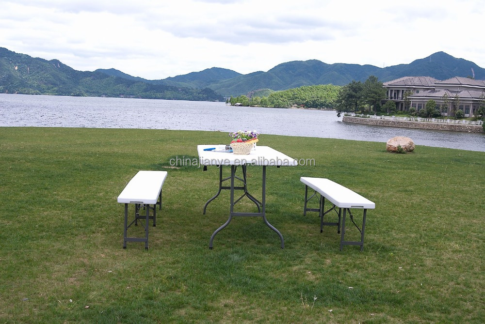 OUTDOOR TABLE FOLDING TABLE