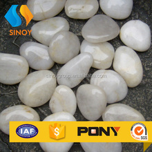 Natural white hightly polished pebbles