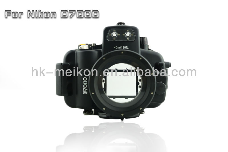 Waterproof case for Nikon D7000