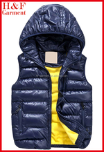 kids down vest made of cotton with hood and zipper closure for spring wear