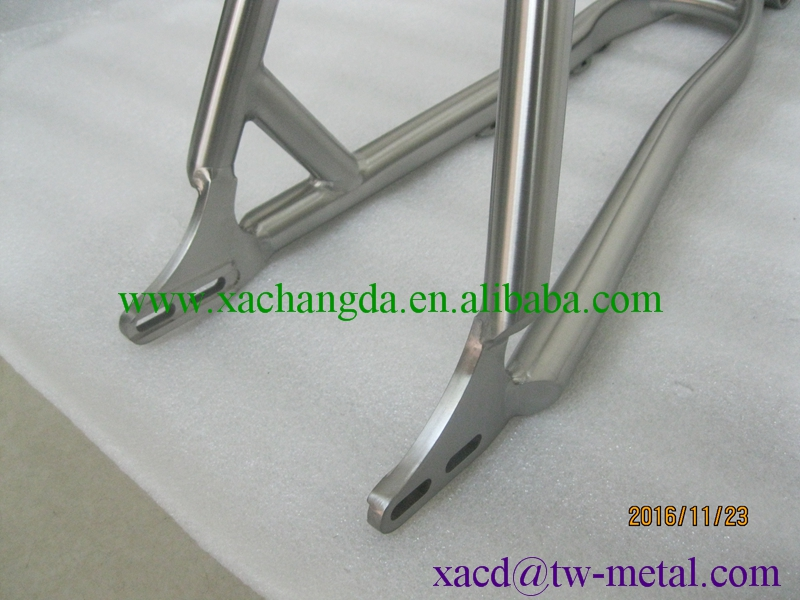 titanium mtb bike frame with sliding dropouts and taper head tube ti bike frame cheap and durable bike frame