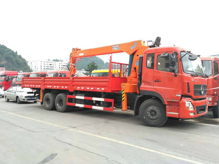 Construction Use 8 Ton 4 Arms Crane Truck Mobile Crane