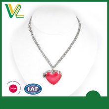 Customized Fashionable Zinc Alloy Hinge heart Imitation Red color Chain Necklaces for women pendant