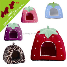 New arrival strawberry design dog house wholesale