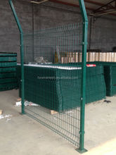 (15 years factory) PVC coated Air port fence made in china/triangle bending fence