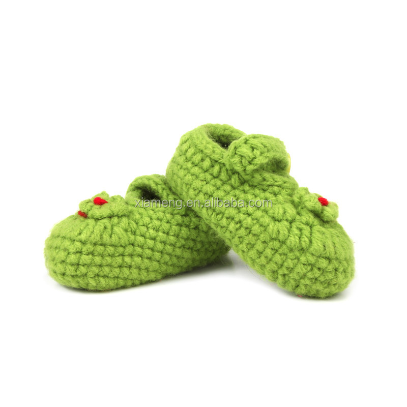 Factory direct OEM custom handmade knitted new born baby shoes