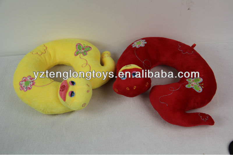 Lovely OEM deisgn snake neck pillow toy for snake year
