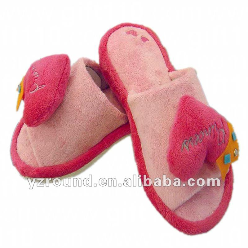 Winter pink heart plush slipper