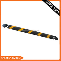 Hot Sale Product Durable Rubber 6 Feet Reflective Road Speed Hump