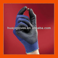 18G Seamless Black PU Coated Gloves