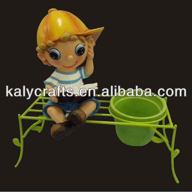 2014 new design cute cartoon boy reading with flower planter ceramic pot garden decoration