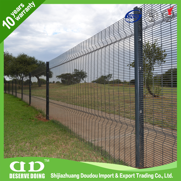 High quality welded mesh/ prison uniform 358 security wire mesh fence