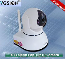 Plug and Play 720P Robot pan tilt wifi ip camera with two way audio support Android/ IOS phone pc remote control