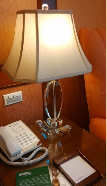 Modern acrylic table lamp