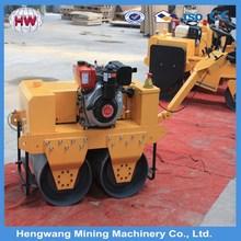 Factory price self-propelled vibratory road roller/road sign making machine