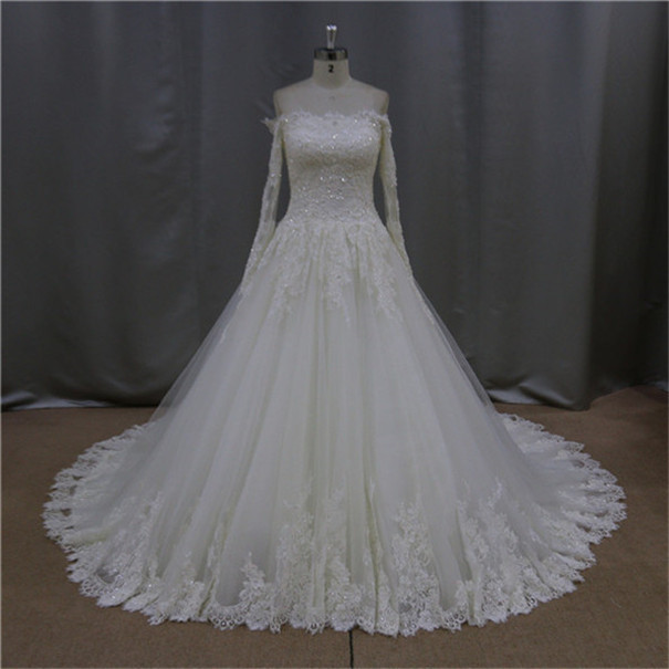 Real sample sweetheart ball gown bridal dress buttons down the back