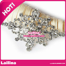 Charming Blossoming Hooking White Crystal Gold Plated Women Brooch