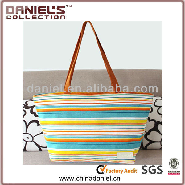 Good quality tote fashion handbag for young lady