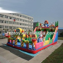 Kids playground bouncy games Giant bounce house inflatable