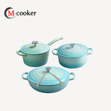 Cast iron men cookware set với soong chảo