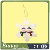 Resin 2 snowmen head on snowflake ornament for christmas decoration