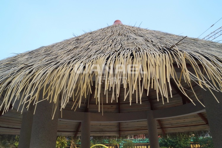 15 years lifespan Wanael Heat Resistant Happy Holiday Resort Aluminum Synthetic Thatch Roof