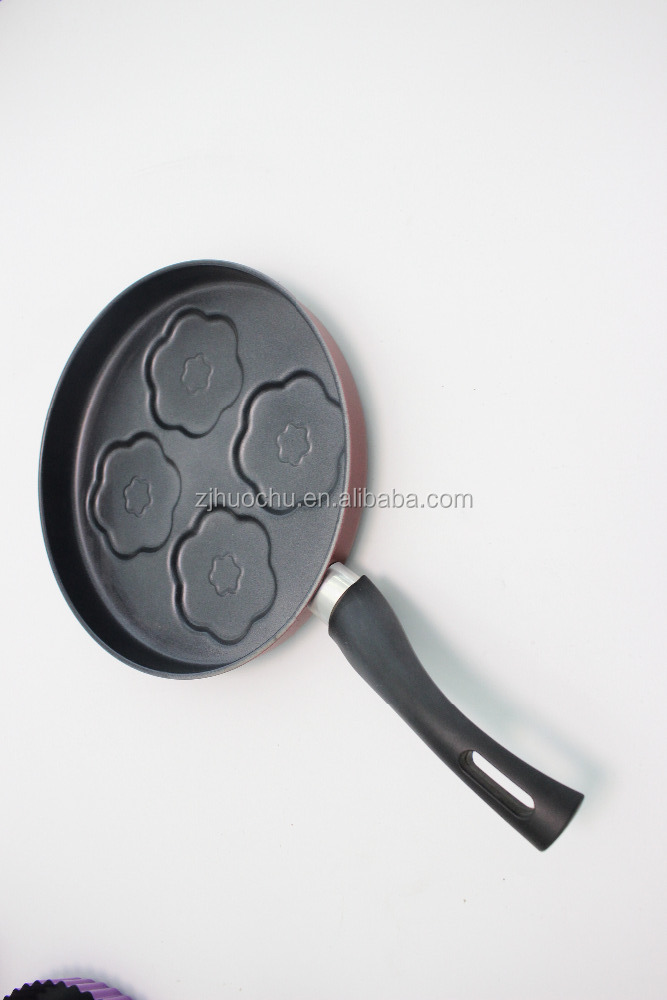 Carbon steel non stick round baking moulds cake pan bakeware floewr-shaped 4 cup-muffin pan with bakelite handle