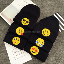 2016 Top Fashion baratos invierno emoji Beanie sombreros en stock