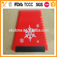 Wholesale plastic car ice scraper with custom logo for cleaning car