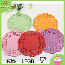 4.5 inch Eco-Friendly Grease-Proof Colored round Paper Doilies For Party Wedding Christmas Table Decorative Cake Holder