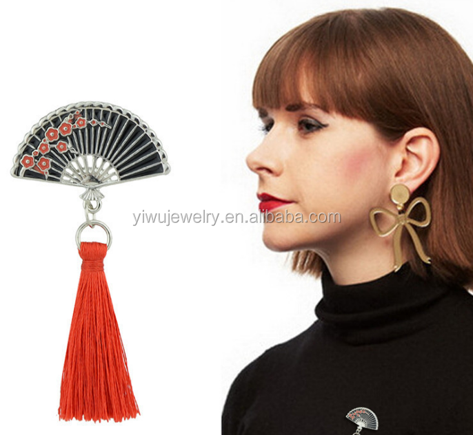 P53-<strong>100</strong> women crimson tassel Chinese style red flower black enemal classy fan brooch