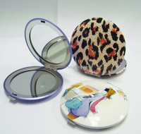Round metal two-sided mirror compact with leopard printing