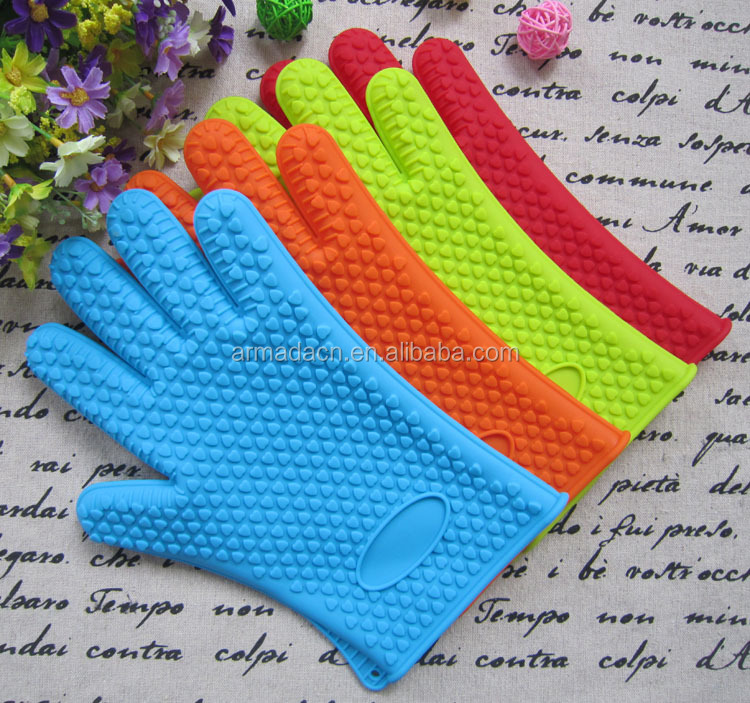 heat and slip resistant different colors 5 finger silicone oven gloves