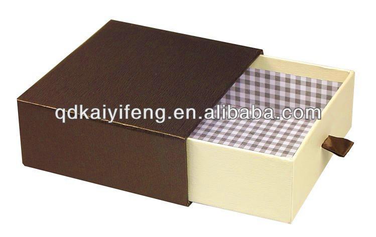 Коробка пенал для подарка 54