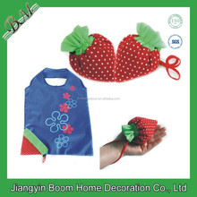 190T Polyester Reusable Cartoon Strawberry Foldable Bag / Folding Tote Bag / Foldable Shopping Bag into Strawberry