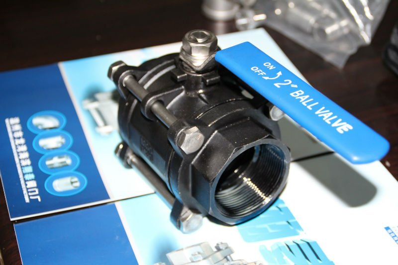 Carton Steel Three Part Ball Valve WCB with Manual Handle