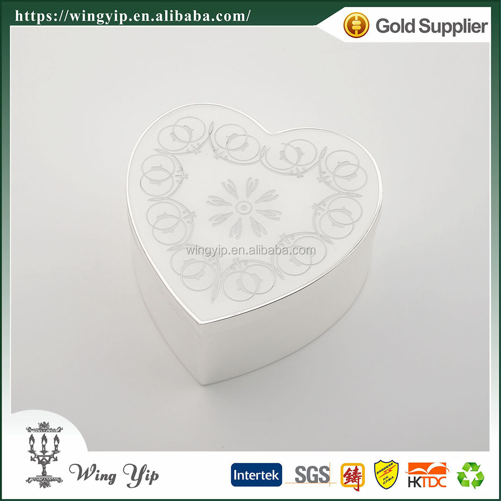 Wholesales Manufacturer Heart Shape Floral Silver Plated Metal Jewelry display box for Ornament