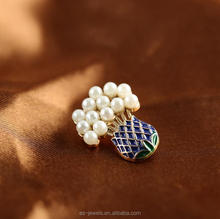 Men's flower pearl brooch lapel pin for invitation wholesale