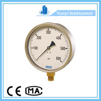 Industrial bourdon tube type pressure gauge