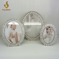 Oval-shaped Modern Picture Frames With Bracket Metal Alloy Photo Frame