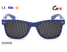 Useful eye care pinhole glasses black and blue pc frame black pinhole for vision correction men women custom eyewears