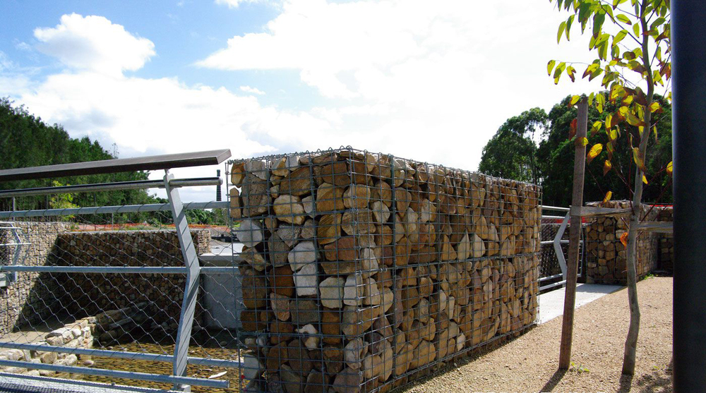 stone cage wire mesh gabion retaining wall for uk buy stone cage gabions stone cage wire mesh. Black Bedroom Furniture Sets. Home Design Ideas