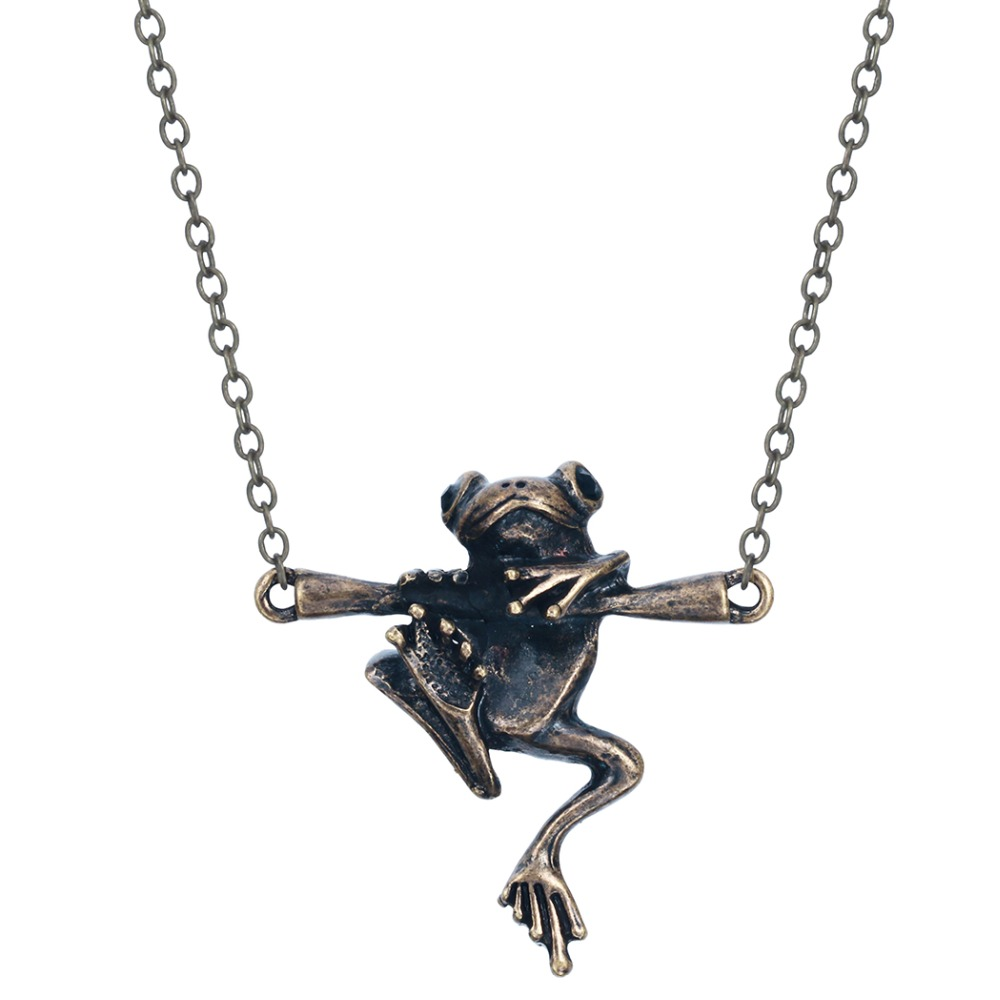 Pretty Animal Vintage 3D Realistic Baby Frog on a Branch Animal Unique Necklaces & Pendants Gift for Women and Girls