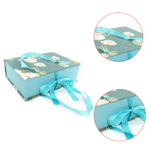 Custom colorful printing 8x8 gift boxes packing box with handle