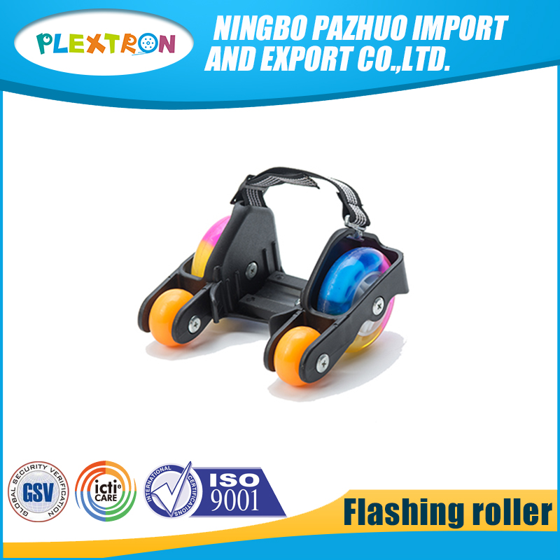 Detachable strap on adjustable light weight 4 wheel flashing roller skates with LED