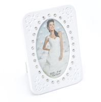 White Baking Varnish Table Top Picture Photo Frame with Glass for 4 x 6 Inch Photos
