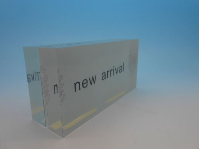 Corrugated Board Retail Display Bins For Supplements, Acrylic Display Stands Clear Acrylic Dessert Lipstick Makeup Display Stand
