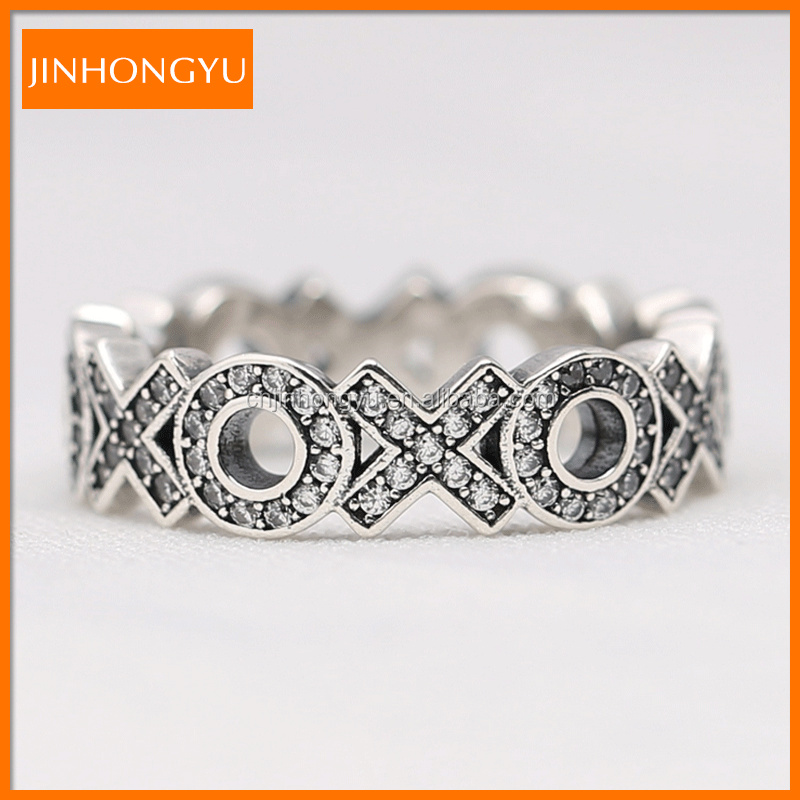 Sparkling Hugs and Kisses 925 sterling Silver XOXO Band Ring for lovers