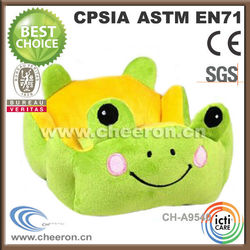 Cuddly feen and warm stuffed frog pet house